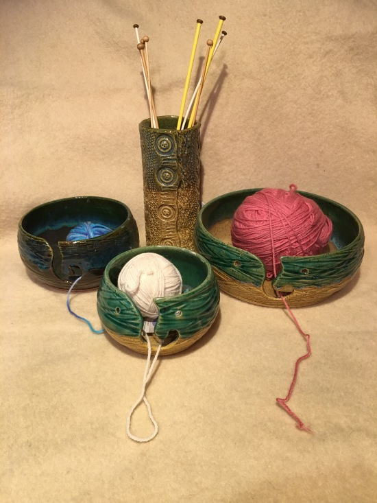michael-lemer-yarn-bowls-and-needls-holder